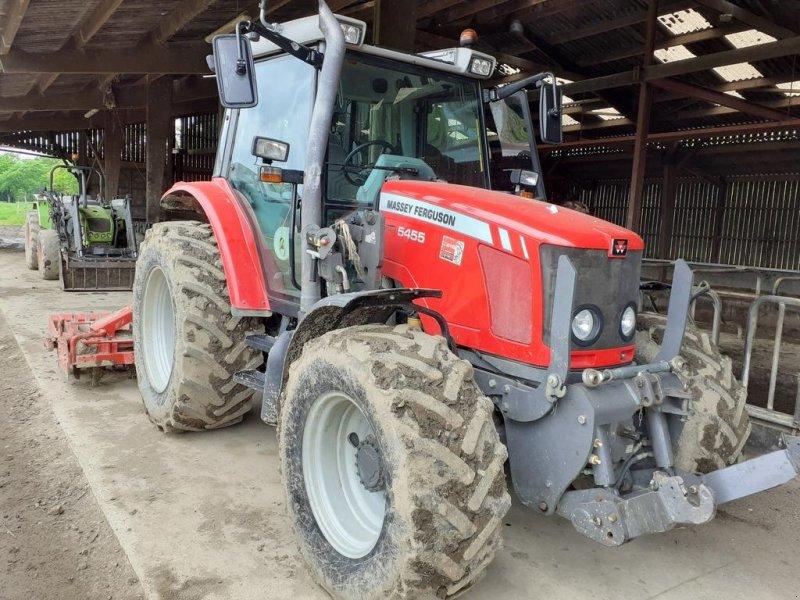Traktor des Typs Massey Ferguson 5455 4RM, Gebrauchtmaschine in CINTHEAUX (Bild 1)