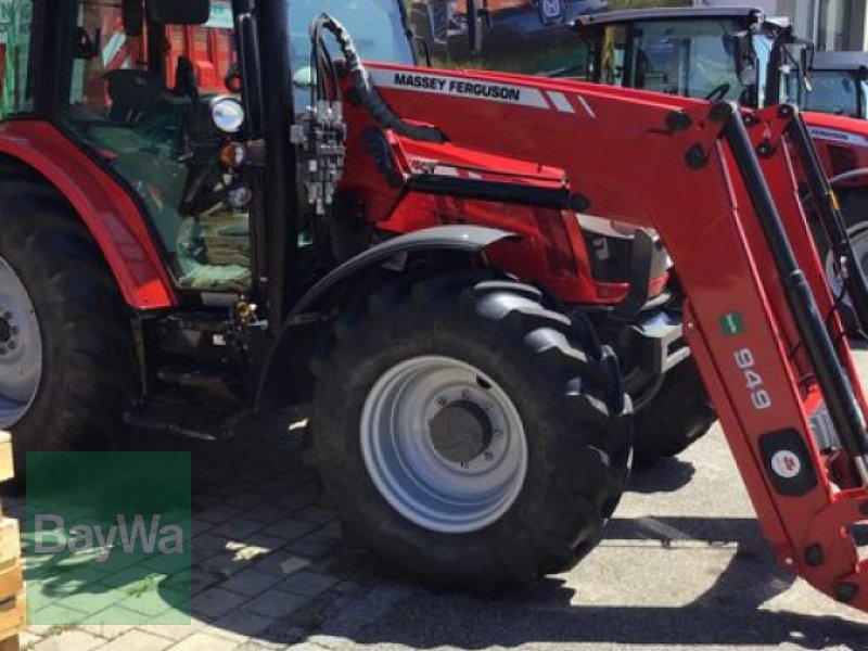Traktor типа Massey Ferguson 5610 DYNA-4, Gebrauchtmaschine в Osterhofen (Фотография 4)