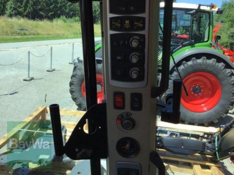 Traktor типа Massey Ferguson 5610 DYNA-4, Gebrauchtmaschine в Osterhofen (Фотография 12)