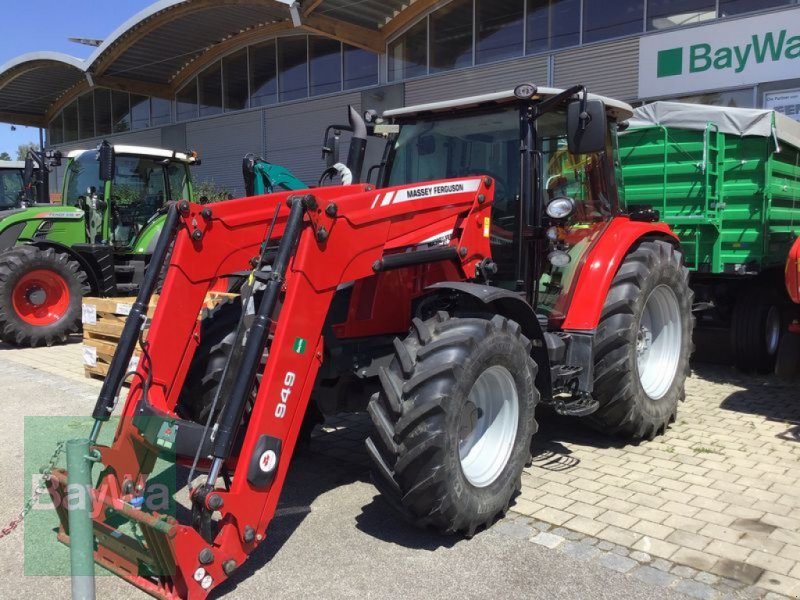 Traktor типа Massey Ferguson 5610 DYNA-4, Gebrauchtmaschine в Osterhofen (Фотография 1)