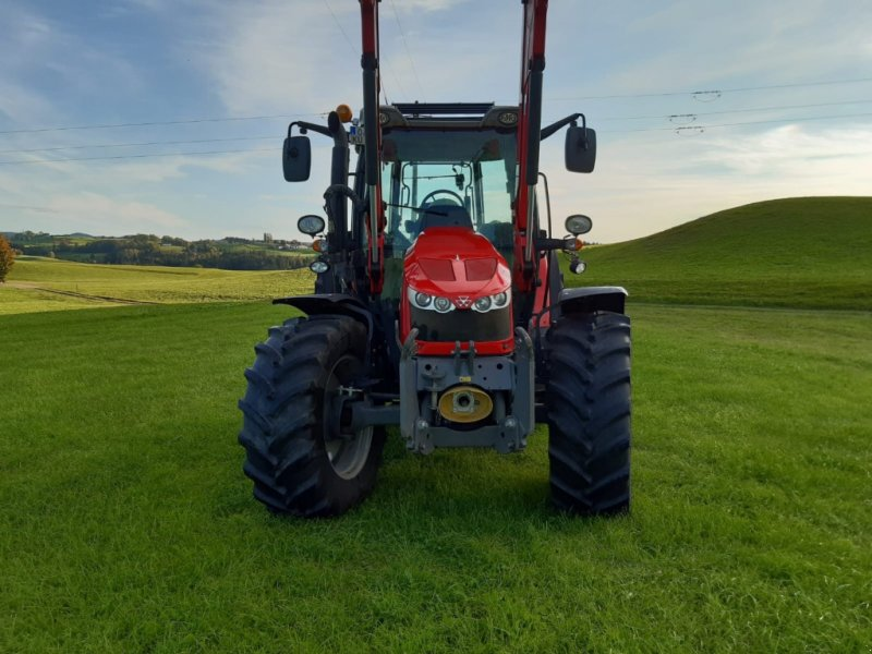 Traktor des Typs Massey Ferguson 5610 Dyna 4, Gebrauchtmaschine in Legau (Bild 3)