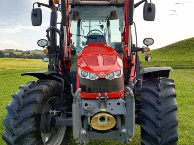 Traktor des Typs Massey Ferguson 5610 Dyna 4, Gebrauchtmaschine in Legau (Bild 4)