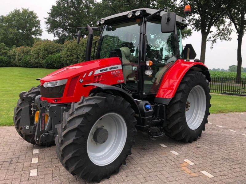 Traktor des Typs Massey Ferguson 5612 Dyna 4, Gebrauchtmaschine in Vriezenveen (Bild 1)