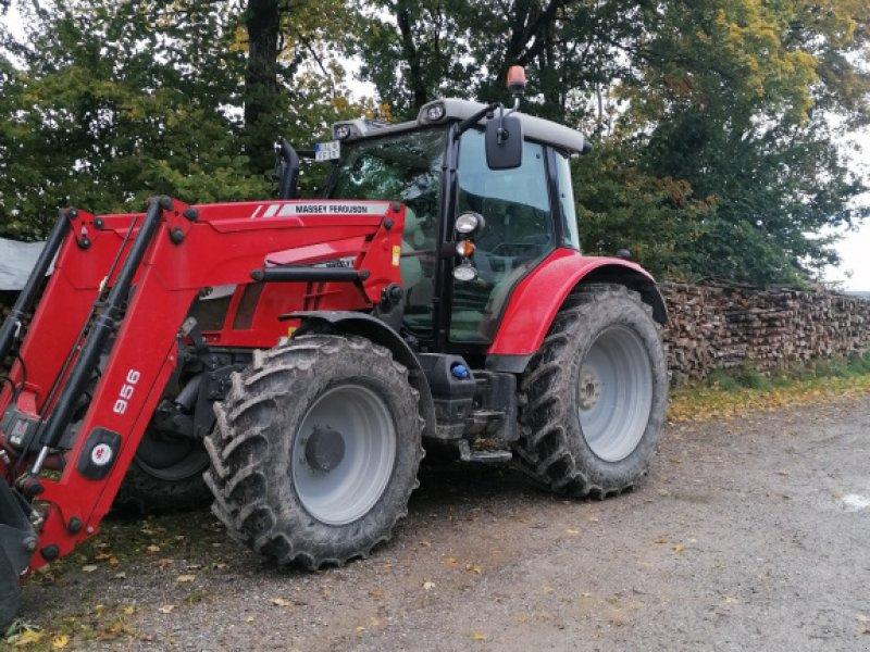 Traktor типа Massey Ferguson 5613, Gebrauchtmaschine в Obergünzburg Willofs (Фотография 1)