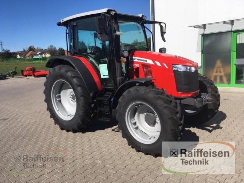 Traktor des Typs Massey Ferguson 5709 Global Dyna-4, Gebrauchtmaschine in Petersberg (Bild 1)