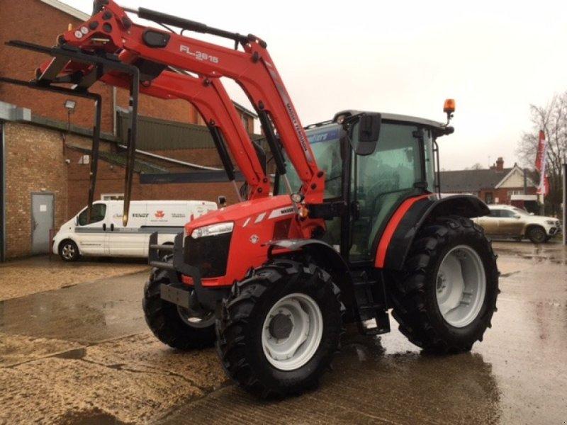 Traktor des Typs Massey Ferguson 5709, Neumaschine in Grantham (Bild 1)