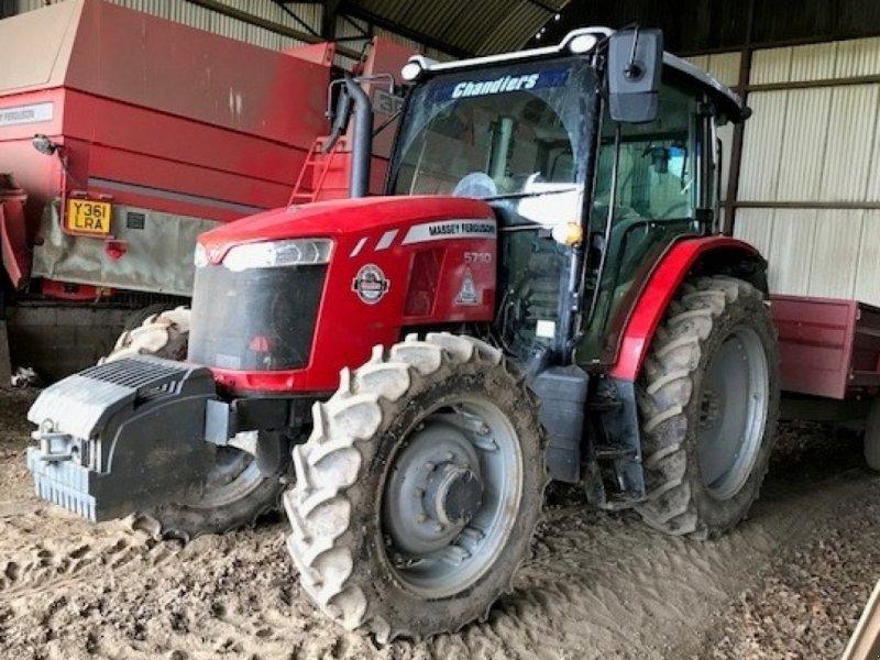Traktor des Typs Massey Ferguson 5710, Gebrauchtmaschine in Grantham (Bild 1)