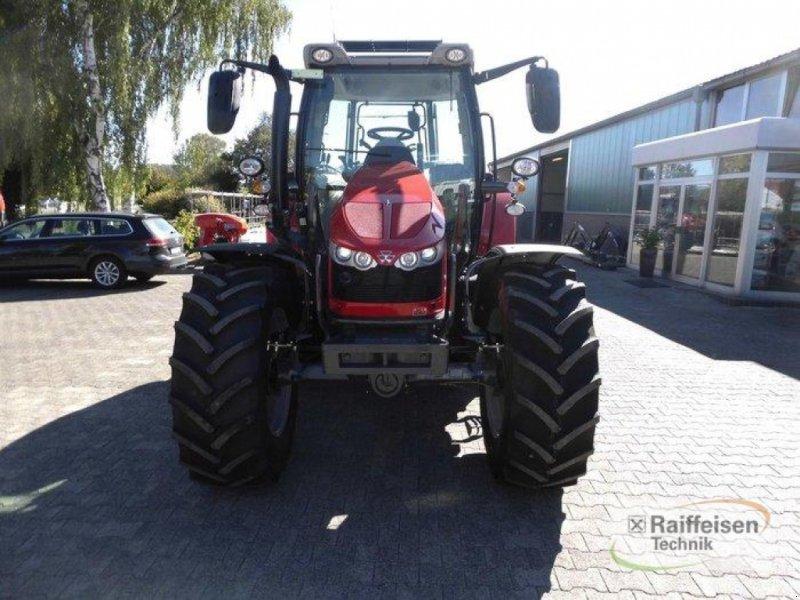 Traktor des Typs Massey Ferguson 5710S Dyna-4 E, Gebrauchtmaschine in Trendelburg (Bild 2)