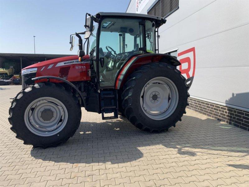 Traktor типа Massey Ferguson 5711 Cab4WD Dyna-4MR, Gebrauchtmaschine в Sulingen (Фотография 6)