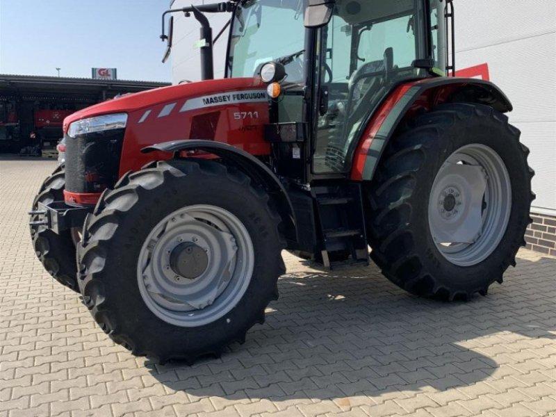 Traktor типа Massey Ferguson 5711 Cab4WD Dyna-4MR, Gebrauchtmaschine в Sulingen (Фотография 2)