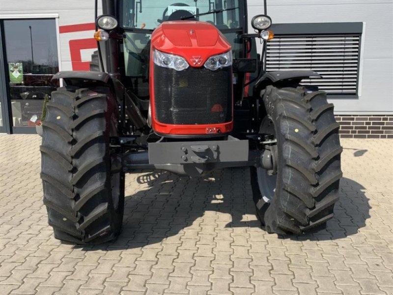 Traktor типа Massey Ferguson 5711 Cab4WD Dyna-4MR, Gebrauchtmaschine в Sulingen (Фотография 5)