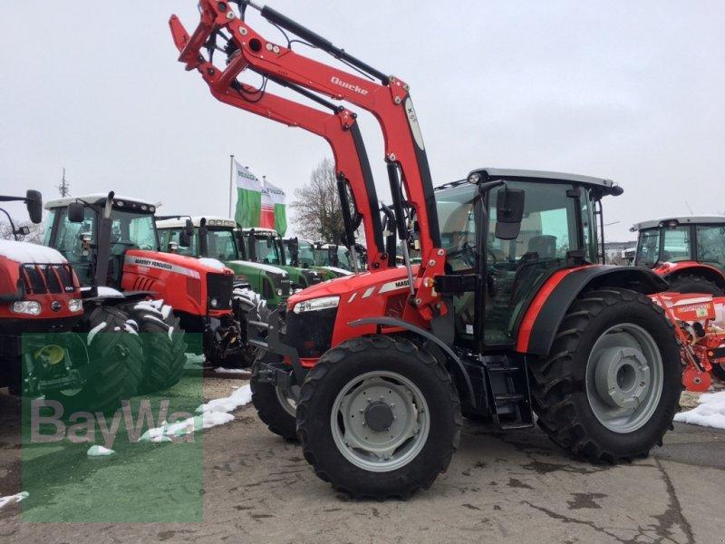 Traktor des Typs Massey Ferguson 5711 Global mit X5S Frontlader NEUWERTIG!, Gebrauchtmaschine in Dinkelsbühl (Bild 1)