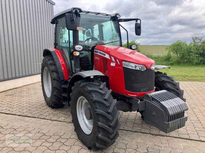 Traktor des Typs Massey Ferguson 5711 Global, Gebrauchtmaschine in Coppenbruegge (Bild 2)