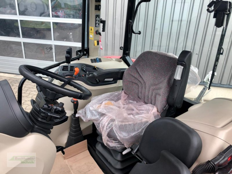 Traktor des Typs Massey Ferguson 5711 Global, Gebrauchtmaschine in Coppenbruegge (Bild 5)