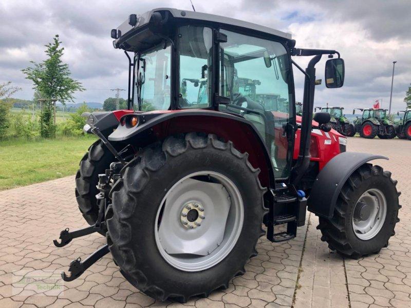 Traktor des Typs Massey Ferguson 5711 Global, Gebrauchtmaschine in Coppenbruegge (Bild 3)