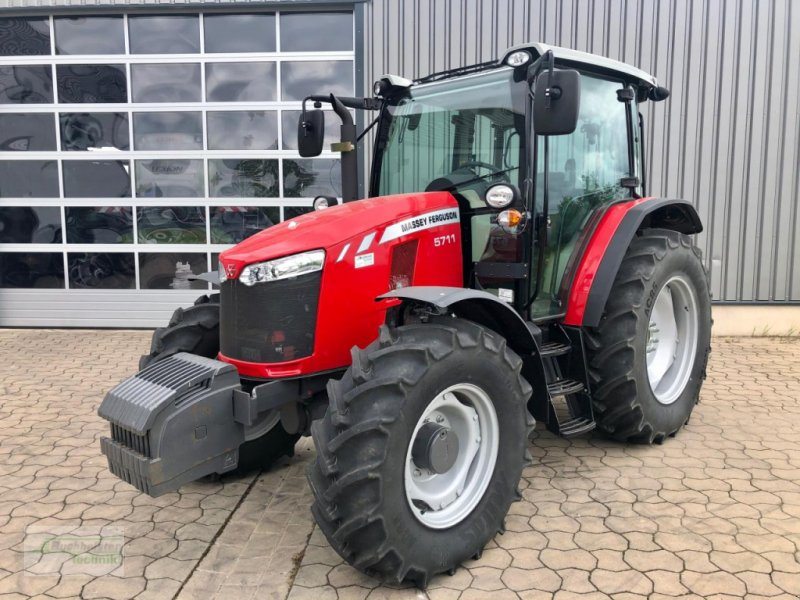 Traktor des Typs Massey Ferguson 5711 Global, Gebrauchtmaschine in Coppenbruegge (Bild 1)