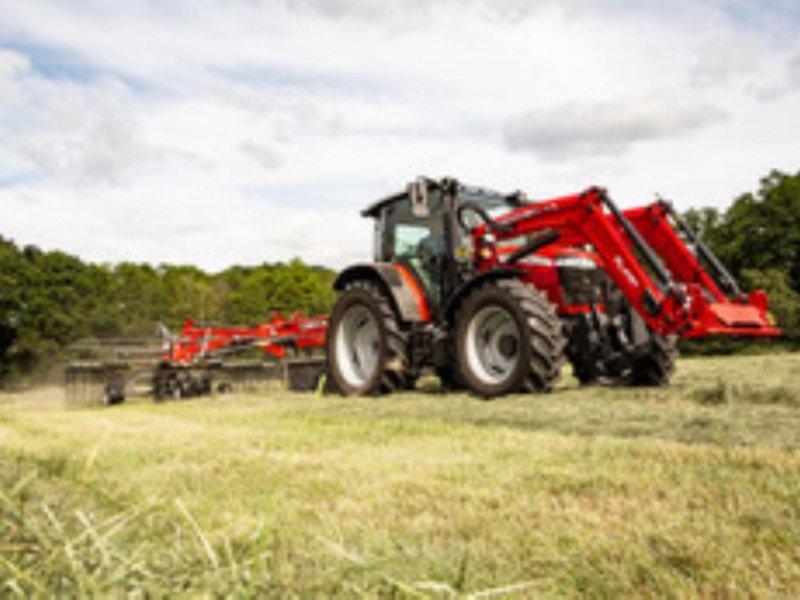 Traktor des Typs Massey Ferguson 5711M, Gebrauchtmaschine in Toftlund (Bild 1)