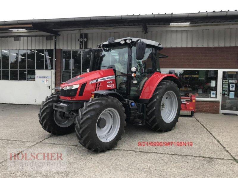 Traktor des Typs Massey Ferguson 5711S Dyna4 Next Edi, Neumaschine in Warendorf (Bild 1)