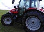 Traktor des Typs Massey Ferguson 5713 S Dyna-4 in Linsengericht-Altenh