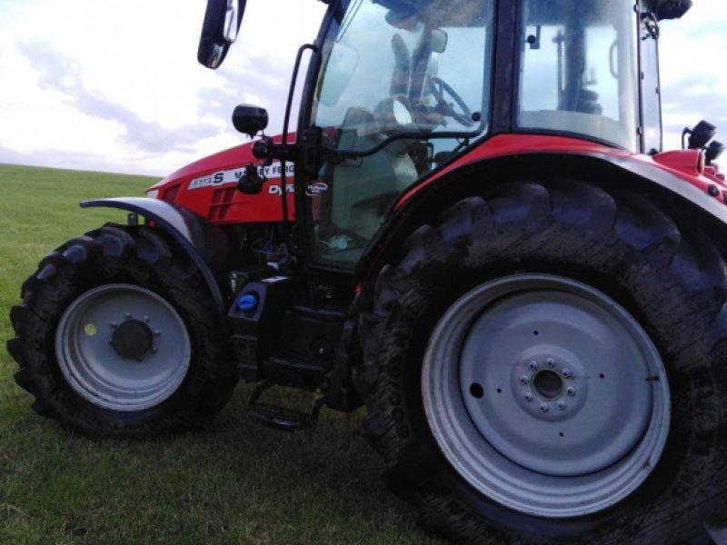 Traktor des Typs Massey Ferguson 5713 S Dyna-4, Gebrauchtmaschine in Linsengericht-Altenhaßlau (Bild 1)