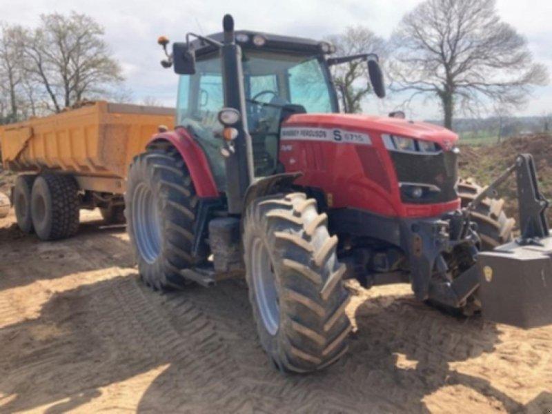 Traktor типа Massey Ferguson 5713 s dyna6 efficient, Gebrauchtmaschine в GENNES-SUR-GLAIZE (Фотография 1)