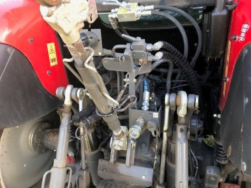 Traktor of the type Massey Ferguson 5713 SL, Gebrauchtmaschine in Grantham (Picture 8)