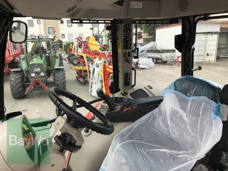 Traktor des Typs Massey Ferguson 5713S DYNA-6 EFFICIENT, Neumaschine in Erding (Bild 4)