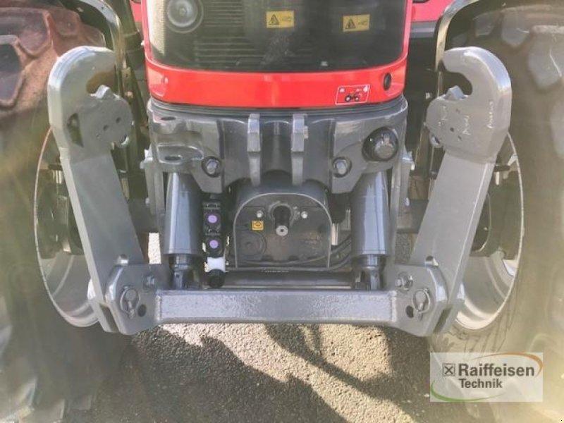 Traktor des Typs Massey Ferguson 5713S Dyna-6 Efficient, Gebrauchtmaschine in Eslohe (Bild 5)