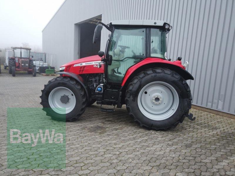 Traktor des Typs Massey Ferguson 5713S DYNA-6 EFFICIENT, Gebrauchtmaschine in Manching (Bild 10)