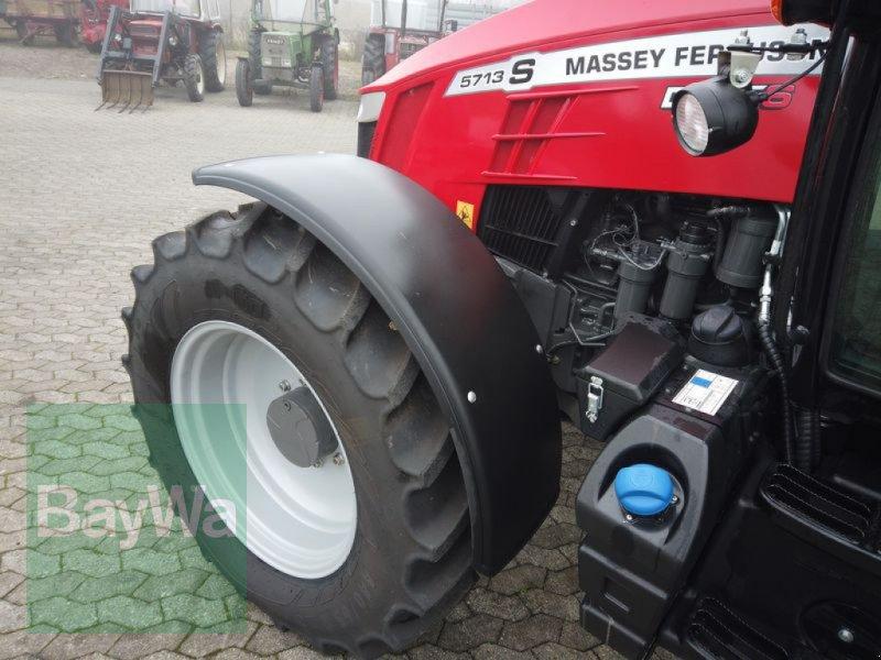 Traktor des Typs Massey Ferguson 5713S DYNA-6 EFFICIENT, Gebrauchtmaschine in Manching (Bild 16)