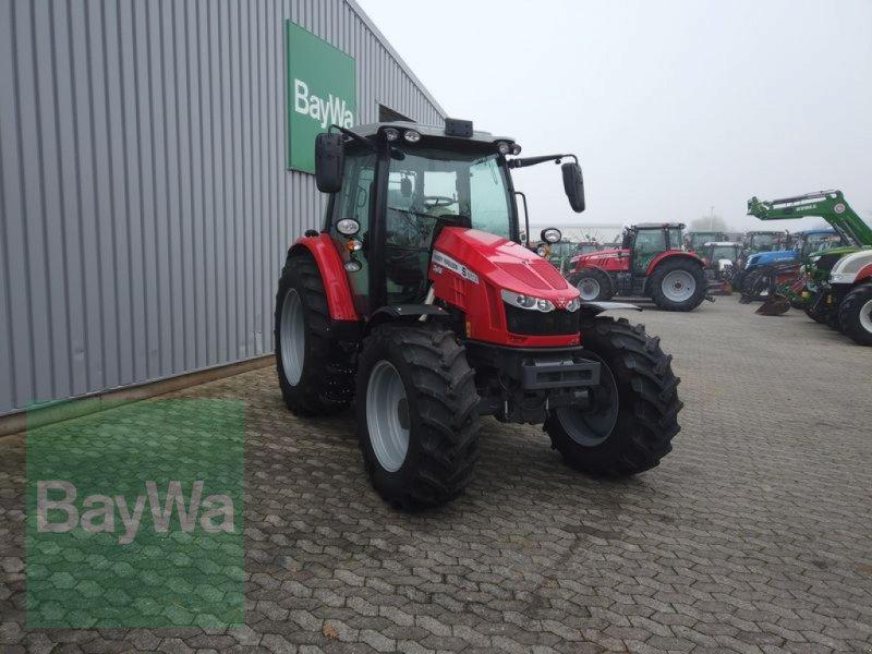 Traktor des Typs Massey Ferguson 5713S DYNA-6 EFFICIENT, Gebrauchtmaschine in Manching (Bild 4)