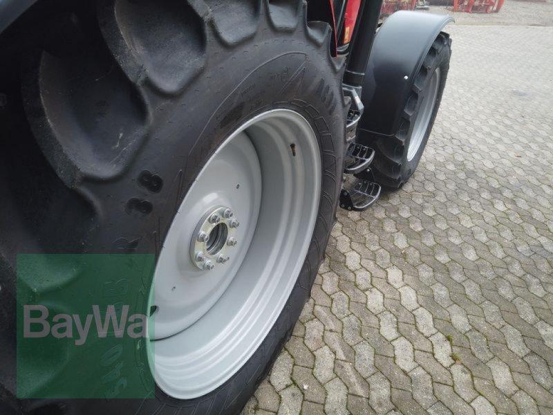 Traktor des Typs Massey Ferguson 5713S DYNA-6 EFFICIENT, Gebrauchtmaschine in Manching (Bild 5)