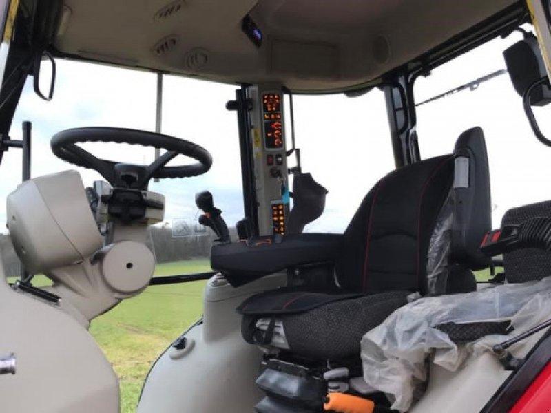 Traktor des Typs Massey Ferguson 5713S Dyna-6, Gebrauchtmaschine in Ansbach (Bild 8)