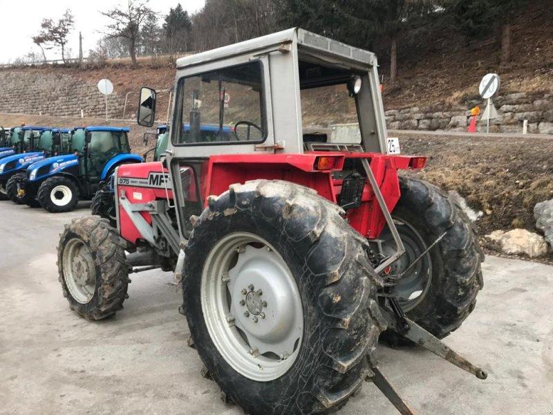 Traktor des Typs Massey Ferguson 575 Allrad, Gebrauchtmaschine in Burgkirchen (Bild 2)