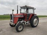 Massey Ferguson 590 Traktor