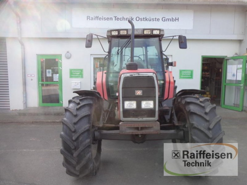Traktor des Typs Massey Ferguson 6160 Dynashift, Gebrauchtmaschine in Eckernförde (Bild 1)