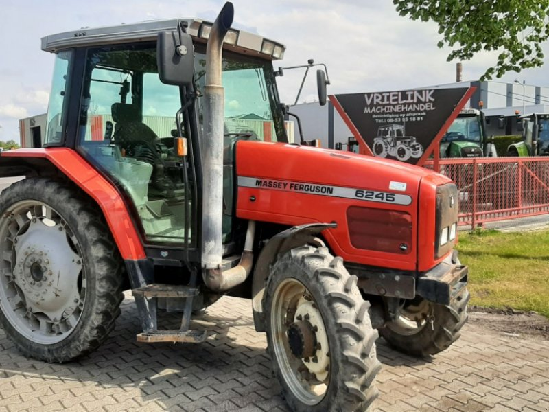 Traktor типа Massey Ferguson 6245 Dynashift met Kruipbak, Gebrauchtmaschine в Schoonebeek (Фотография 1)