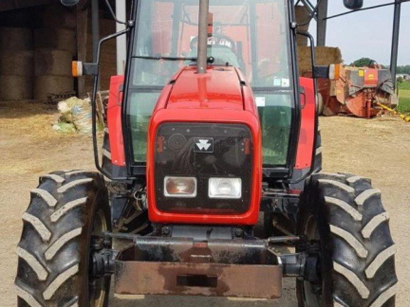 Traktor типа Massey Ferguson 6245, Gebrauchtmaschine в BEAUPREAU (Фотография 3)
