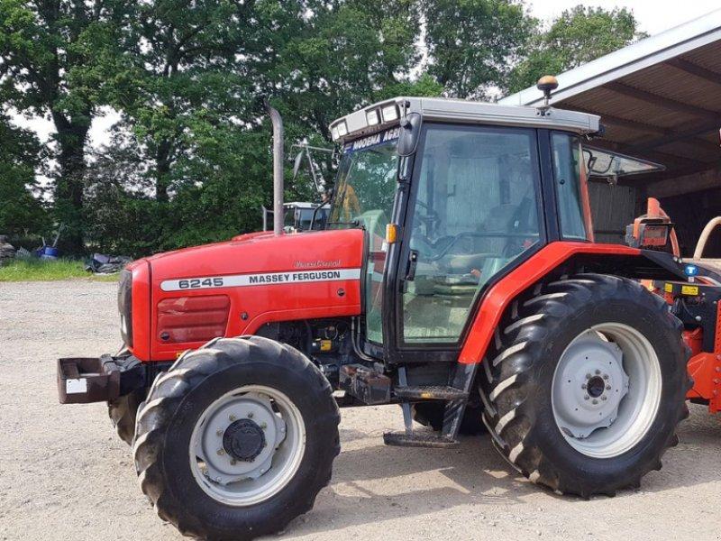 Traktor типа Massey Ferguson 6245, Gebrauchtmaschine в BEAUPREAU (Фотография 1)
