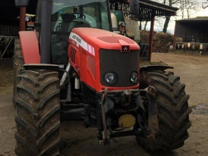 Traktor des Typs Massey Ferguson 6480, Gebrauchtmaschine in Thornbury (Bild 4)