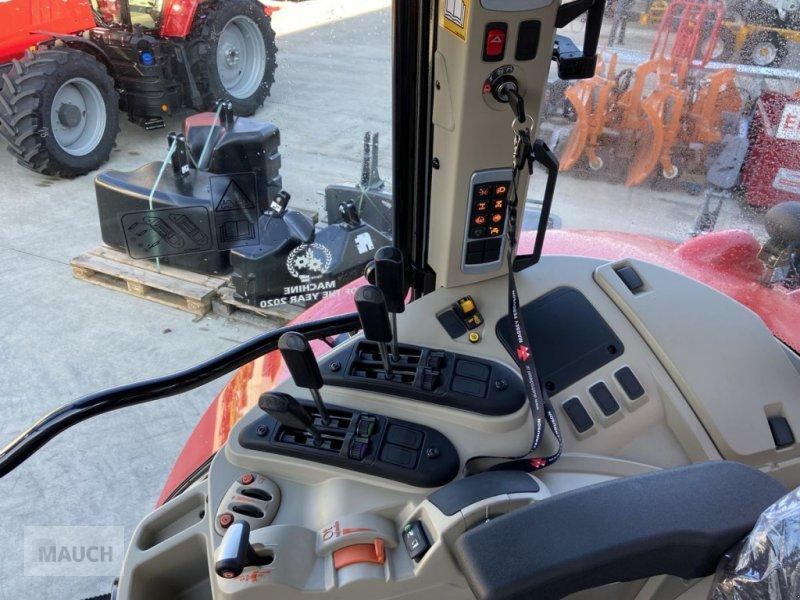 Traktor des Typs Massey Ferguson 6713S Dyna 6 S5 Euroline, Neumaschine in Burgkirchen (Bild 11)