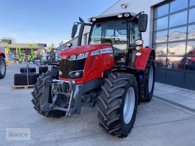 Traktor des Typs Massey Ferguson 6713S Dyna 6 S5 Euroline, Neumaschine in Burgkirchen (Bild 3)