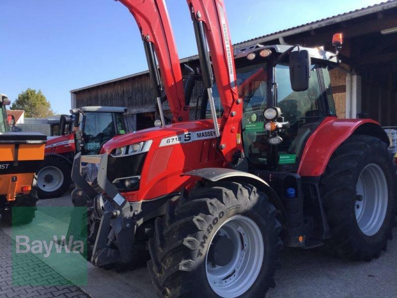 Traktor des Typs Massey Ferguson 6718S DYNA-6 EXCLUSIVE, Gebrauchtmaschine in Straubing (Bild 1)