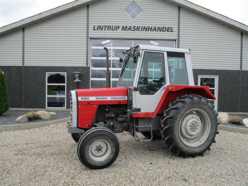 Traktor типа Massey Ferguson 690 SpeedShift, Gebrauchtmaschine в Lintrup (Фотография 1)