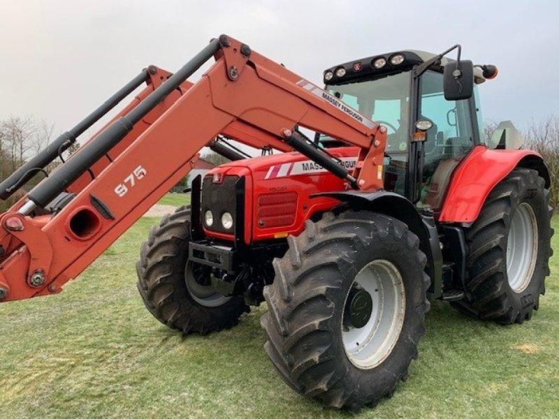 Traktor des Typs Massey Ferguson 7480 Dyna VT Vario m/frontlæsser MF975, Gebrauchtmaschine in Sakskøbing (Bild 1)