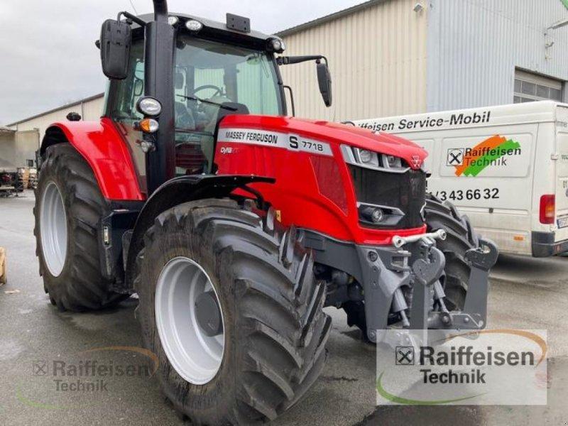 Traktor des Typs Massey Ferguson 7718 Dyna-VT Efficient, Gebrauchtmaschine in Bad Hersfeld (Bild 1)