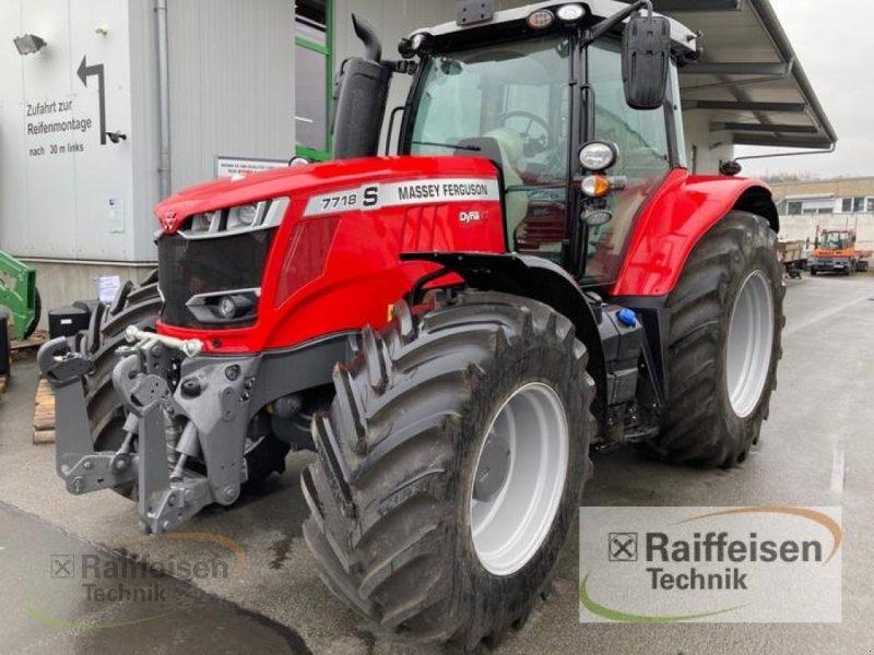 Traktor des Typs Massey Ferguson 7718 Dyna-VT Efficient, Gebrauchtmaschine in Bad Hersfeld (Bild 3)