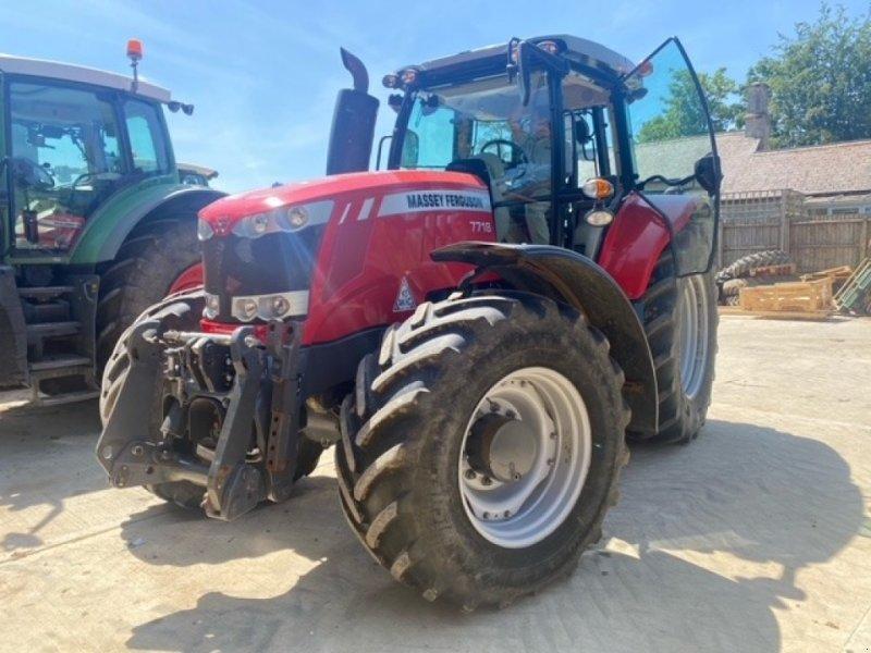 Traktor des Typs Massey Ferguson 7718, Gebrauchtmaschine in Cirencester (Bild 1)