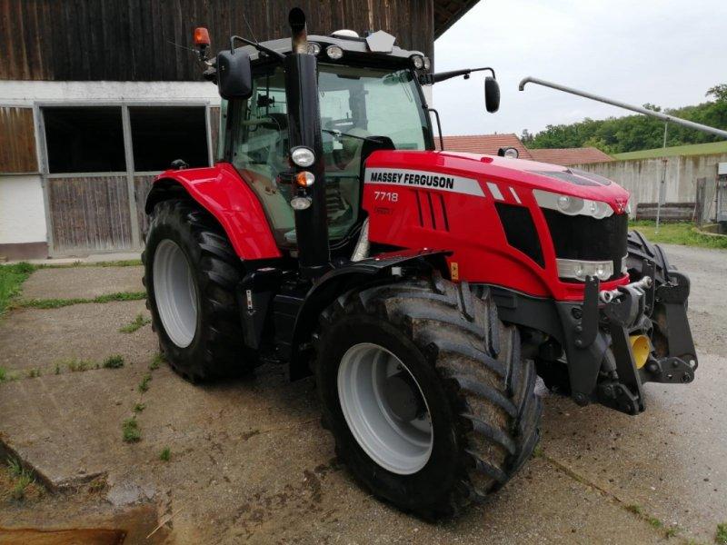 Traktor des Typs Massey Ferguson 7718, Gebrauchtmaschine in Osterhofen (Bild 2)