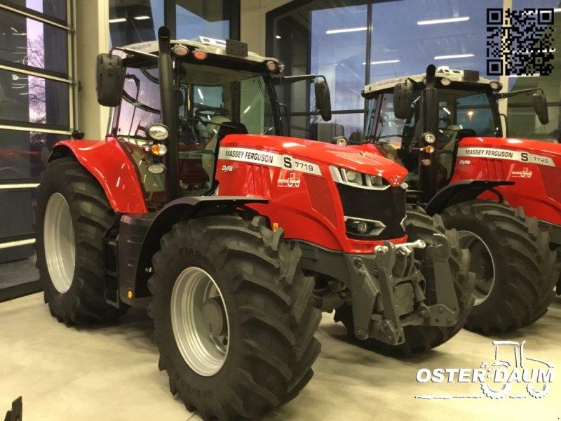 Traktor des Typs Massey Ferguson 7719 S Dyna VT, Neumaschine in Kaisersesch (Bild 1)